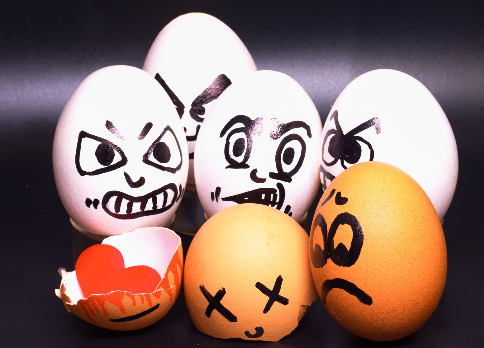 NOVO MOVIMENTO DEMOCRÁTICO : Popper, o paradoxo da tolerância, o ovo da  serpente e o ovo de galinha